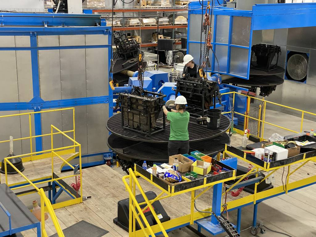 Redline Plastics Rotational Molding Machine Ferry 3300